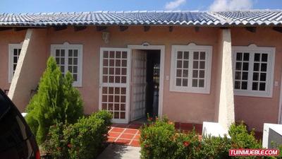 Townhouses En Venta 16-17960