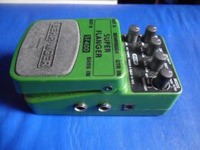 Pedal Super Flanger Behringer Sf400 P/ Baixo E Guitarra