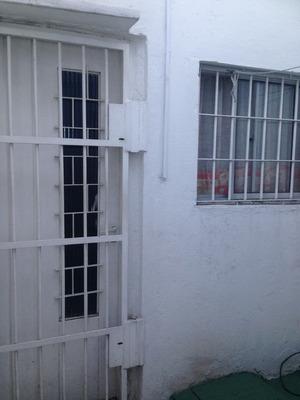 Apartamento Ubicado En Elba, 1 Dormitorio, Baño, Kitchenette