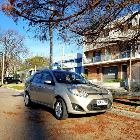 Ford Fiesta Max Inmaculado!!!