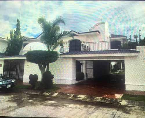Hermosa Residencia En Venta Bugambilias 1a Sección En Guadalajara