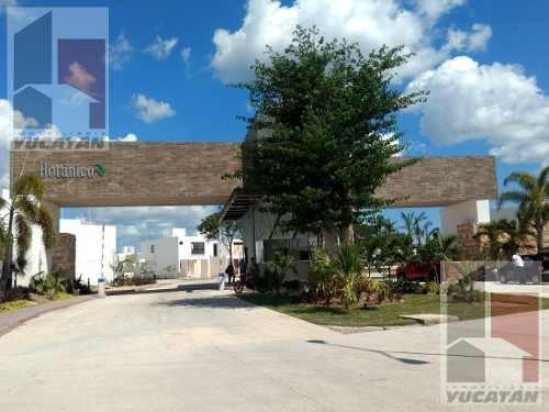 Casa En Privada Botánico 3 Recámaras Y Alberca En Conkal A 10 Min De Altabrisa