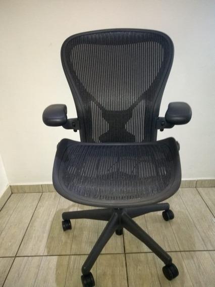 Cadeira Herman Miller Aeron C