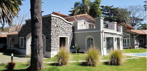 Casa C/quincho Y Pileta En Pacheco - Inmejorable Ubicación