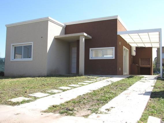 Casa De 3 Ambientes A Estrenar - 80m2 - Barrio Laguna Azul