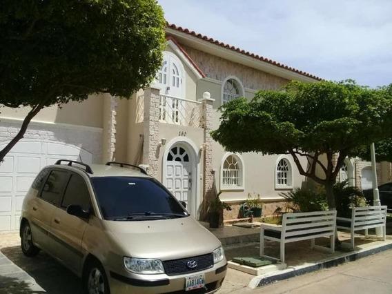 Townhouses En Venta. Milagro Norte. Je