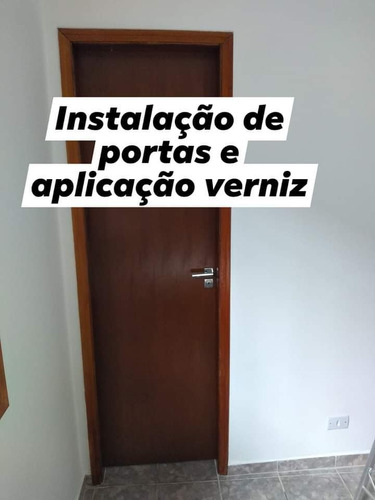 Imagem 1 de 1 de *instalação De Portas*reparo Manutenção,instalação E Verniz