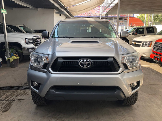 Toyota Tacoma 4x2 Modelo 2015 52,000 Km