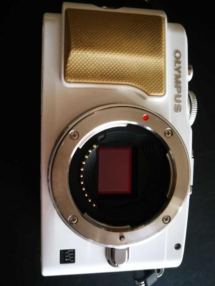 Câmera Olympus Epl5 (somente O Corpo)