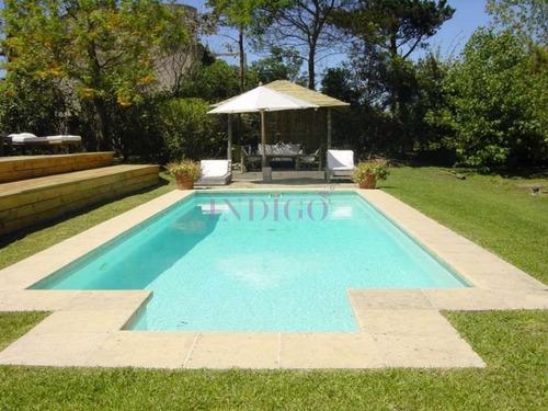Casa En La Barra En Venta Y Alquiler 5 Dormitorios .- Ref: 145