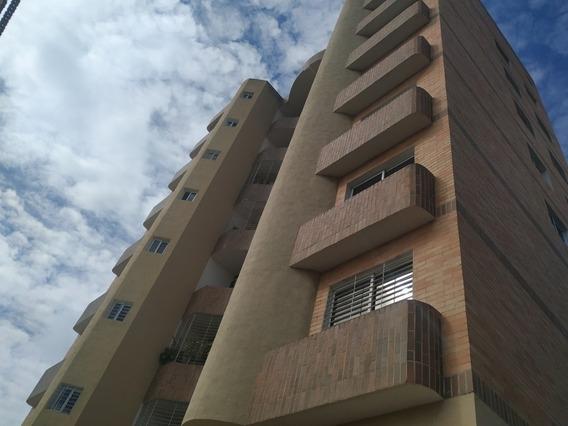 Apartamento En Venta Valle Blanco 86 Mts Marialba Giordano