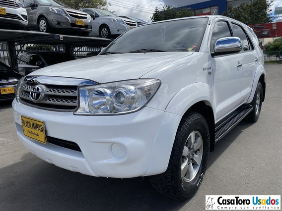 Toyota Fortuner At 4x4 2700cc 2011