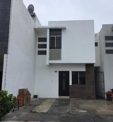 Casa En Renta En Privada, Equipada, Nueva.