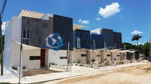 Casa En Venta En Benito Juarez Norte. En Esquina Thv-5781