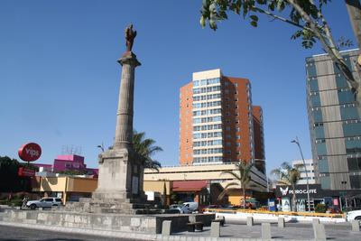 Departamento En Av Juárez 3 Cuartos / 164m2 Precio A Tratar