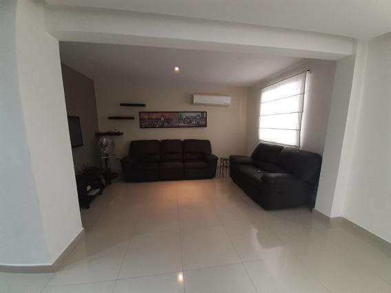 Casa En Venta Zona Este Barquisimeto 20-10844 Mmm