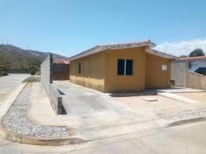 Bella Casa En Alquiler En Yaritagua 20-22367