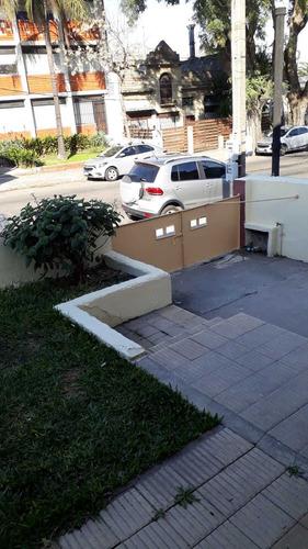 Imagen 1 de 12 de Oferta! Casa En Una Planta Muy Soleada Con Garaje Av Burgues