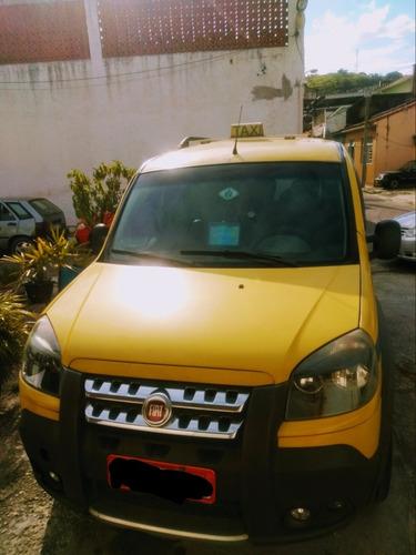 Fiat Doblo 2012 1.8 16v Adventure Flex 5p