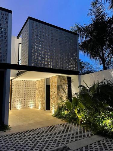 Imagen 1 de 21 de Casa En Renta Amplia Cerca De Universidades Y Periférico - Temozon Norte