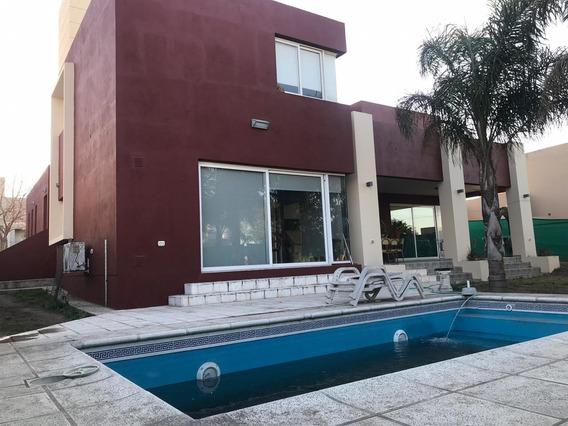 Casa En Venta Valle Escondido 3 Dormitorios Pileta Quincho