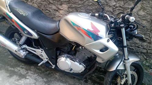 Imagem 1 de 3 de Honda Cb500