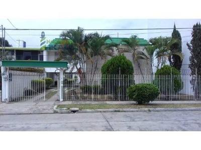 Rento Casa 3 Habitaciones Col. Santa Elena Poza Rica Veracruz. Casa De Renta 2 Plantas: Cuenta Con 3 Habitaciones Adecuada Para Oficinas Cuenta Con 5 Privados, Sala Comedor Y Cocina , 3 Baños Complet