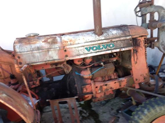 Trator Antigo No Estado Que Se Encontra Volvo