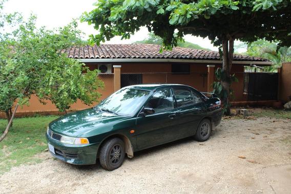 Mitsubishi Lancer Glxi 2000