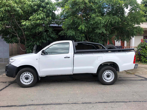 Toyota Hilux 2.5 Cover Cab Simple 4x4 2010