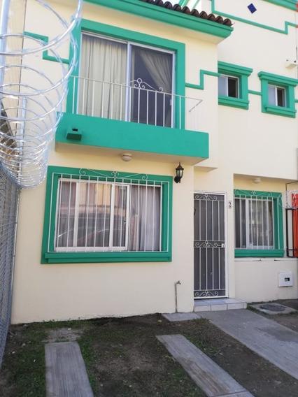 Se Vende Casa En Colonia Real Del Valle, Tlajomulco De Zúñiga, Jal.