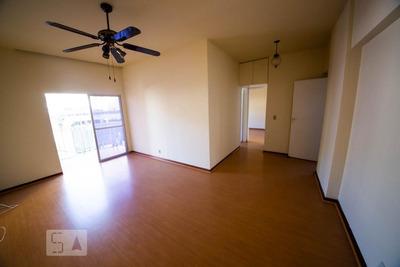 Apartamento No 6º Andar Com 2 Dormitórios E 1 Garagem - Id: 892905467 - 205467