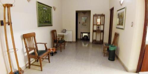 Imagen 1 de 6 de Oficina Impecable. Mendoza 1300