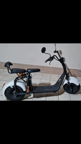 Imagem 1 de 4 de E-types Scooter Eletrica