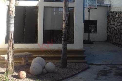 Imagen 1 de 17 de Hermosa Casa-habitación En Venta En La Mejor Zona Residencial De La Ciudad De Nogales, Colonia Kennedy.