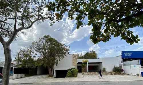 Casa Ideal Para Coorporativo Por Sus Grandes Espacios O Restaurant De Lujo Por Su Ubicación