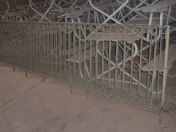Grade De Ferro Trabalhada Anos 50 4x0,90metro - Michaella