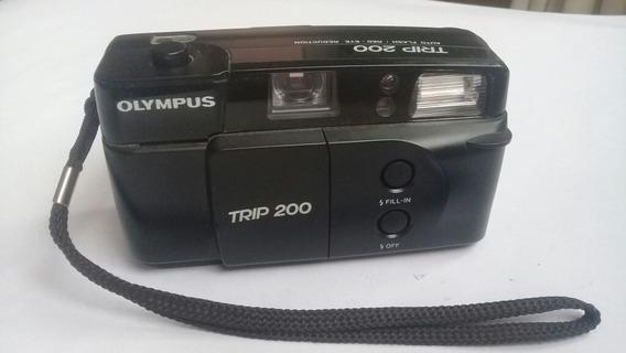 Câmera Olympus Trip 200