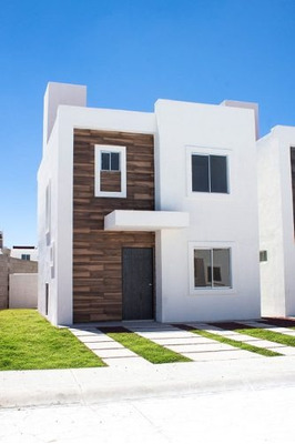 Casa Residencial Con Fachada Y Diseño Minimalista