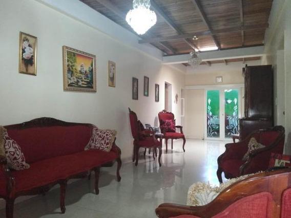 Casa En Venta En Zona Centro 20-206 Mf