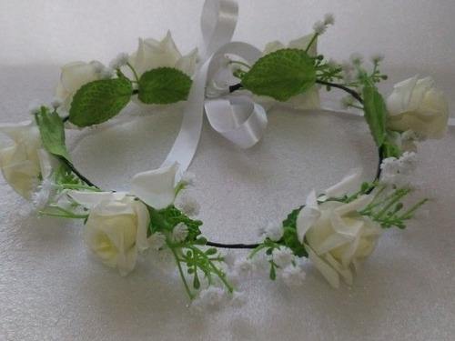 Tiara Coroa De Flores Brancas Com  Flor Mosquitinho