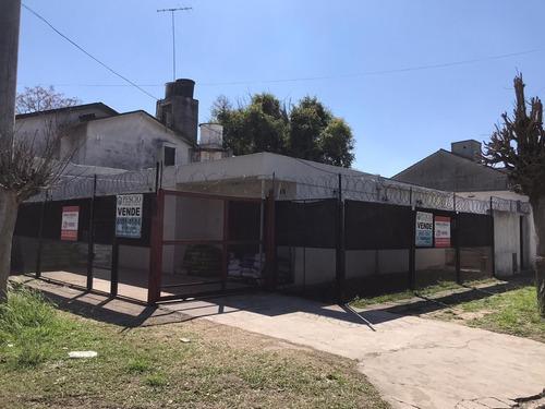 Gran Oportunidad: Casa A La Venta De 3 Ambientes Con Local En San Miguel