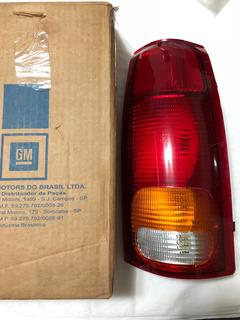 Lanterna Traseira Silverado Nova Original Gm Arteb Logo Gm