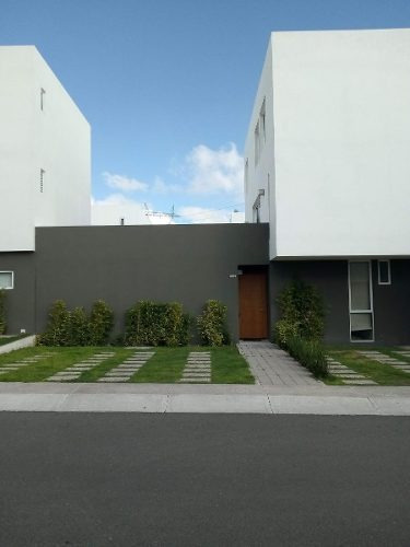 Casa En Renta En Tres Deseos, El Mirador