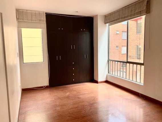 Apartamento En Arriendo En Mazurén, Bogotá