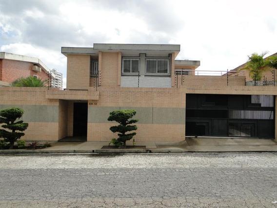 Sky Group Vende Casa En Valles De Camoruco Frente A Las 4v