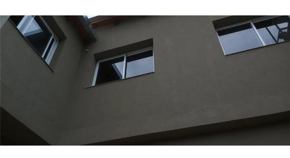 Departamento De Pasillo, 3 Dormitorios, Abasto