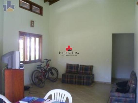 Casa Térrea Em Condominio Fechado Com 3 Dormitórios Sendo 1 Suíte E 4 Vagas, Em Ubatuba. - Pe11704