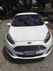 Ford Fiesta Titanium Full Equipo