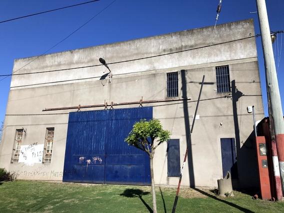 Galpón En Alquiler En La Plata, 420 M2. Excelente Calidad